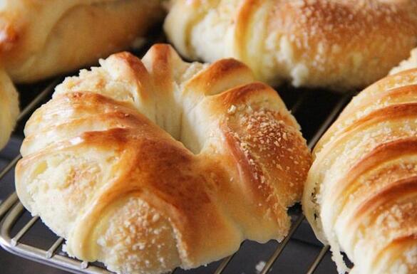 面包制作培训_面包师傅培训多少钱[价格]_杜仁杰面包烘焙培训学校[机构]