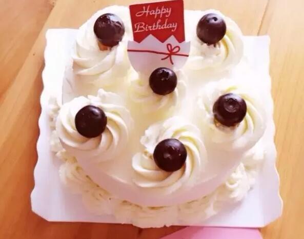 蛋糕上的奶油怎么做
