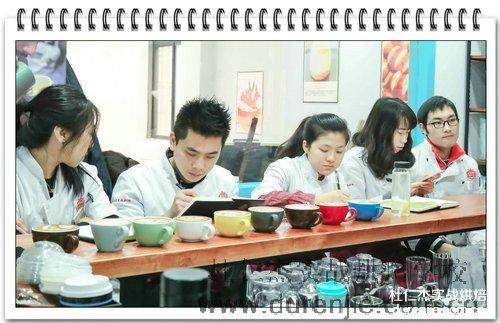 入学季 杭州杜仁杰西点蛋糕专业学子迎来新机遇