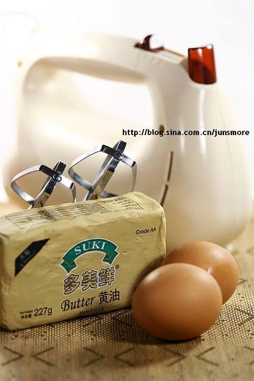 黄油的打发和加鸡蛋打发详细步骤