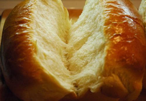面包加低筋面粉的原因 为什么有些面包加低筋面