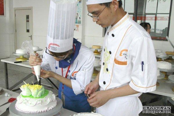 西点蛋糕培训佳选择—浙江杜仁杰实战烘焙学校