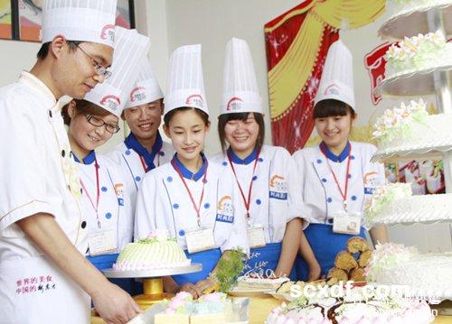 杭州杜仁杰:蛋糕烘焙坚持就业理念