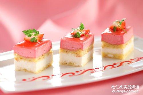 烘焙行业前景广阔 学西点蛋糕成就美好人生