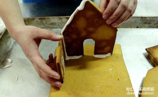 """杜仁杰打造""""圣诞小屋"""" 陪你一起过圣诞"""