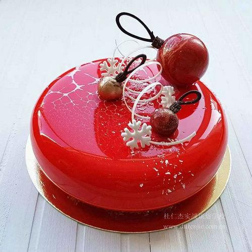 杜仁杰学西点蛋糕 秀出舌尖上的美味诱惑