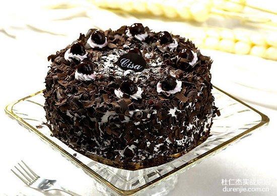 学汽修和西点蛋糕哪个更好?