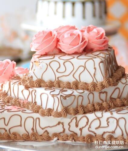 西点蛋糕师学习内容包括什么 西点蛋糕学习内容有哪些