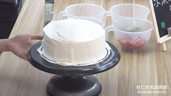裱花基本技巧-奶油水果装饰蛋糕(鲜奶油打发技巧)
